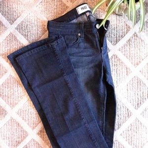 NWOT. Paige BABY BOOT CUT stretch flare Jeans-